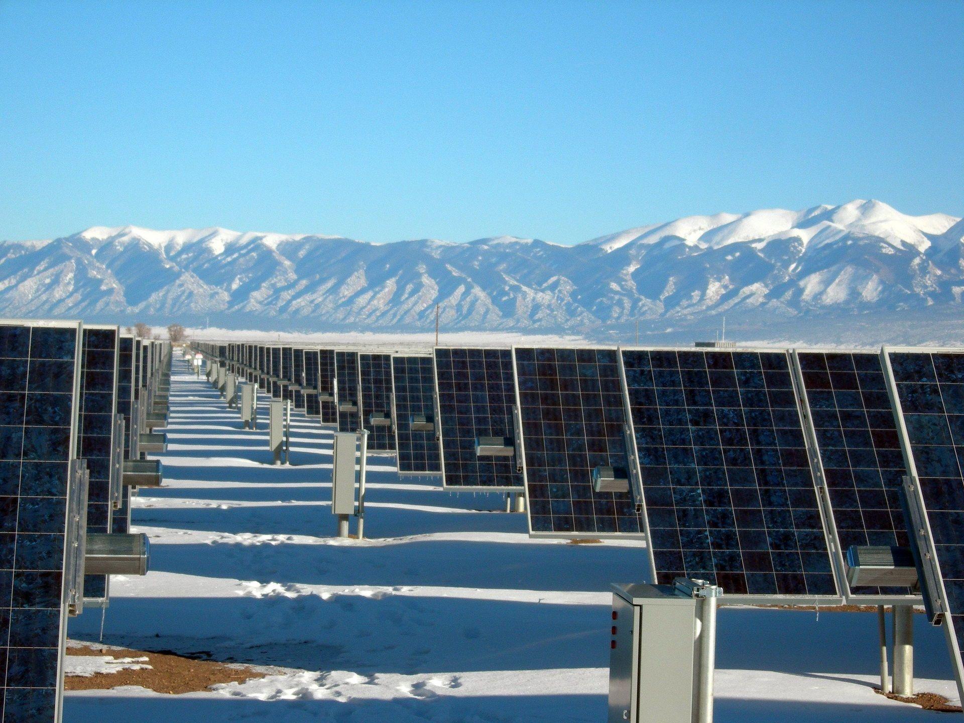 Spark, un sistema exclusivo para limpieza y lavado de paneles solares